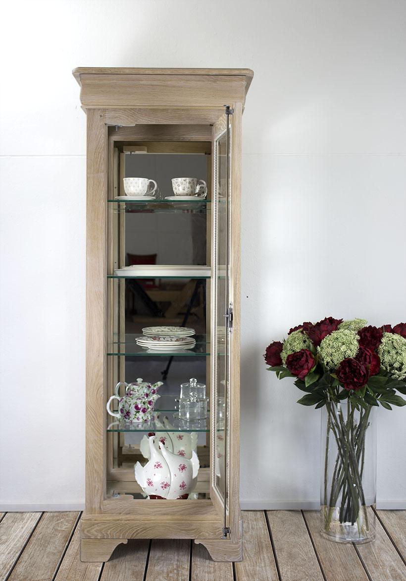 Vitrina 1 puerta 1 caj n estilo luis felipe hecho de roble for Puerta de roble macizo castorama