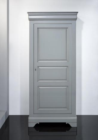 Armario Clemente de 1 puerta fabricado en madera maciza de Cerezo en estilo Louis Philippede