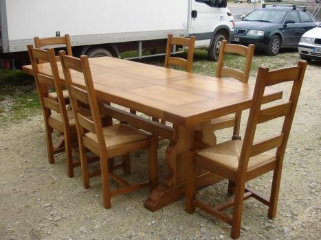 Mesa de comedor rectangular Raúl 250x100cm fabricada en madera de roble macizo  estilo Monasterio