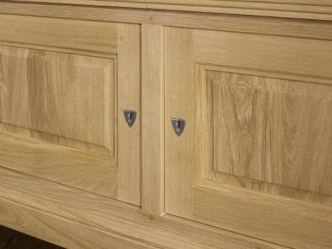 Mueble TV 16/9 Hermes fabricado en madera de Roble macizo al estilo Louis Philippe