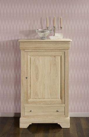 Armario Jean-Baptiste fabricado en madera de roble macizo estilo Louis Philippe acabado cepillado blanqueado