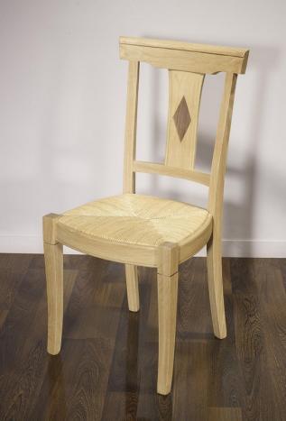 Silla Arthur fabricada en madera de roble macizo estilo Louis Philippe acabado cepillado