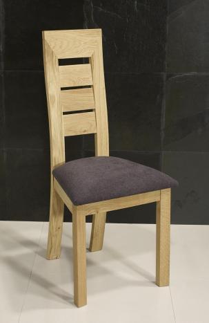 Silla Mathis fabricada en madera de roble macizo línea contemporánea