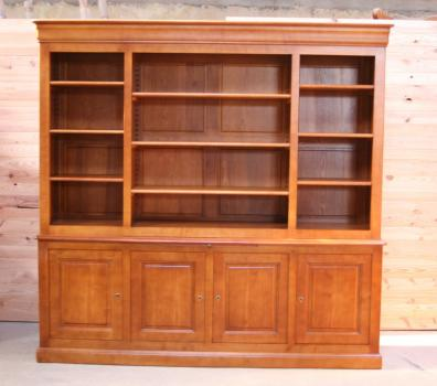 Biblioteca Mona fabricada en madera de Cerezo macizo en estilo Louis Philippe