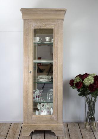 Armario vitrina de 1 puerta y 1 cajón fabricado en madera de Roble macizo al estilo Louis Philippe