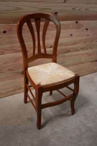 Silla Alice fabricada en madera de cerezo macizo estilo Louis Philippe