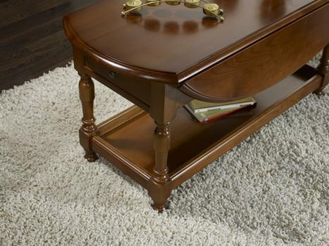 Mesa de centro ovalada con alas abatibles fabricada en madera de cerezo macizo al estilo Louis Philippe