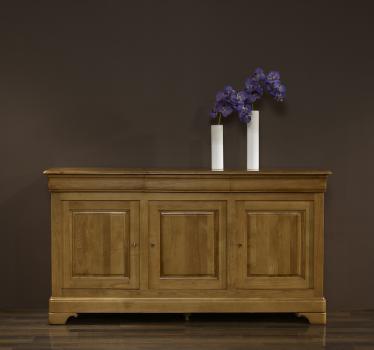 Aparador 3 puertas Lucio fabricado en madera de roble macizo al estilo Louis Philippe