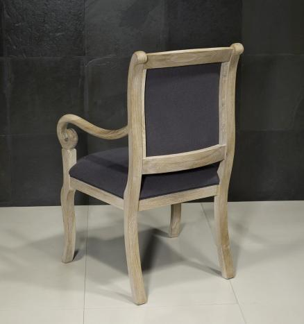 Silla Crosse fabricado en madera de roble macizo estilo Louis Philippe acabado en roble cepillado