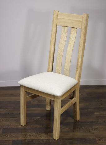 Silla Leonor fabricada en madera de roble macizo asiento de tela Lin acabado roble cepillado