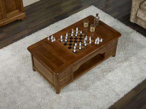 Mesa de centro con juego de ajedrez fabricada en madera de cerezo macizo en estilo Louis Philippe