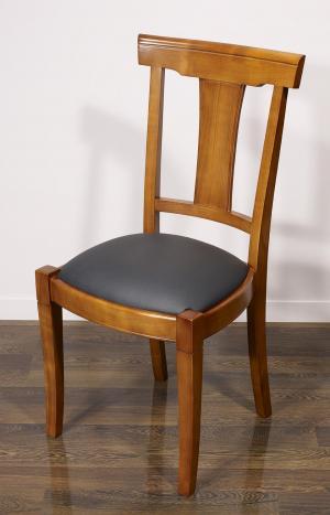 Silla Lou fabricada en madera de cerezo macizo de estilo Louis Philippe