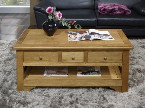 Mesa de centro Rogerio fabricada en madera de roble macizo estilo Louis Philippe