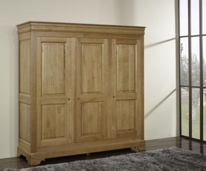 Armario Louis de 3 puertas fabricado en madera de roble macizo al estilo Louis Philippe