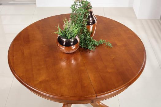 Mesa de comedor redonda Sabine con pata central fabricada en madera maciza de cerezo en estilo Louis Philippe