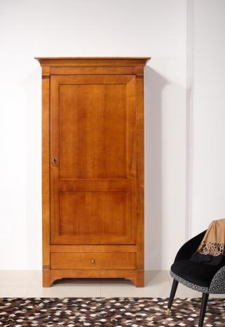 Armario Celine fabricado en madera de cerezo macizo al estilo Directoire