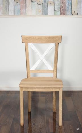 Silla Filipe fabricada en madera maciza de Roble acabado cepillado natural y marfil estilo Louis Philippe