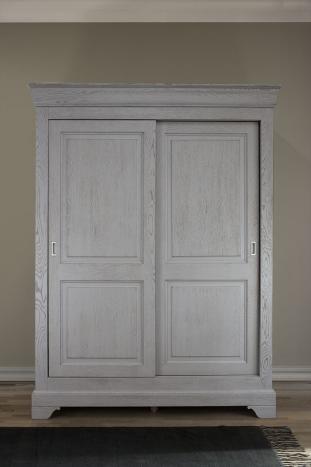 Armario Juan Carlos de 2 puertas correderas fabricado en madera de roble macizo estilo Louis Philippe