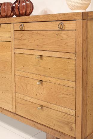 Aparador de 4 puertas fabricado  en madera de roble macizo estilo industrial