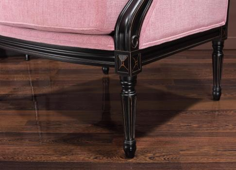 Sillón Laura de estilo Luis XVI fabricado en madera maciza de Haya