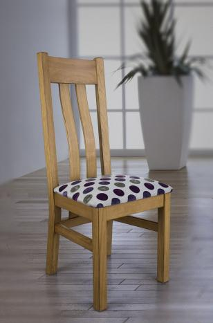 Silla Leonor fabricada en madera de roble macizo acabado roble cepillado estilo contemporáneo
