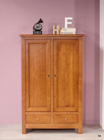Armario de  2 puertas y  2 cajones fabricado en madera de Cerezo maciza de estilo Rústico