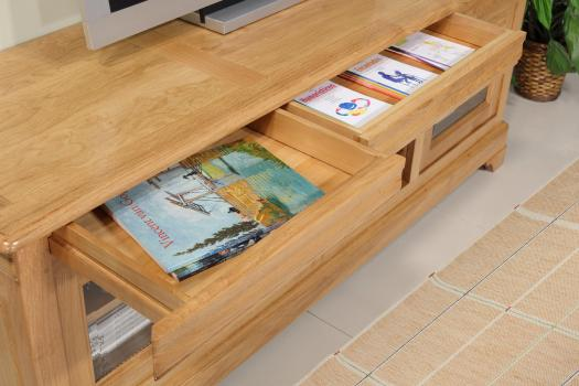 Mueble de TV 16/9 Mathilde fabricado en madera de roble macizo estilo Louis Philippe Longitud 180 cm