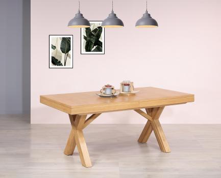 Mesa de comedor rectangular fabricada en madera de Roble macizo estilo Contemporáneo con 3 extensiones