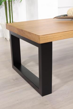 Mesa de centro rectangular de línea contemporánea, fabricada en roble y hierro