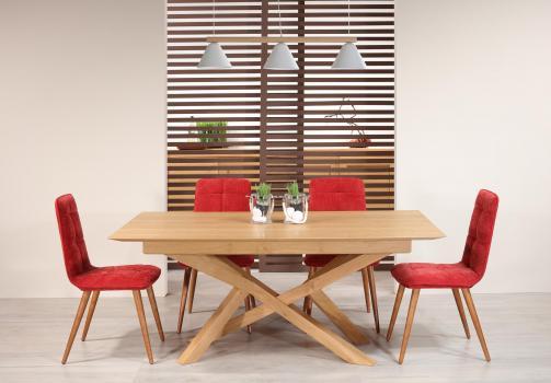 Mesa de comedor rectangular Joël  fabricada en madera de roble macizo en estilo contemporáneo