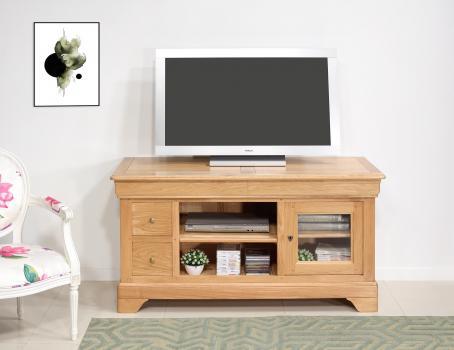 Mueble TV Florencia fabricado en madera de roble macizo al estilo Louis Philippe.
