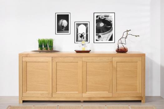 Aparador de 4 puertas Loann fabricado en madera de roble macizo de estilo Contemporáneo